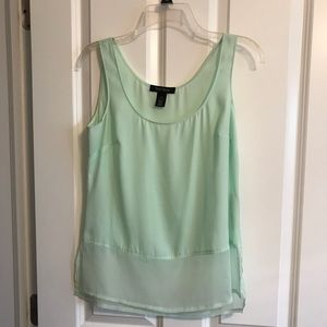 Sleeveless shell size XS in green/seafoam color